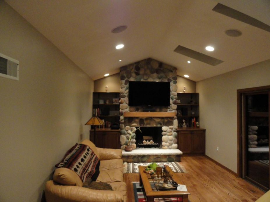 lcd-tv-above-fireplace-ideas-927x695